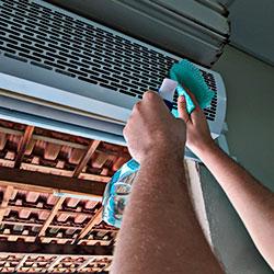 Limpeza De Cortina De Ar 220V C/Controle Remoto 0,90M a 1,80M
